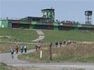 Tradiční akce Bílý kámen, otevření vojenského prostoru Libavá, láká v posledních letech tisíce cyklistů i pěších turistů.