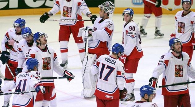 VZH�RU DOM�. �e�tí hokejisté si práv� uv�domují, �e pro n� sv�tový �ampionát