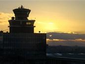 Řídicí věž na pražském letišti