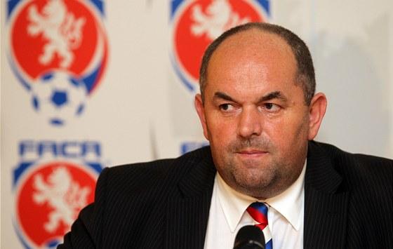 Předseda fotbalové asociace Miroslav Pelta