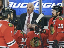 Joel Quenneville diriguje hokejisty Chicaga.