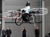 První veřejný vzlet českého létajícího kola Flying Bike (12. června 2013)