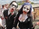 Zombie walk a potyčka se zombie lovci, které se uskutečnily v sobotu v Plzni.