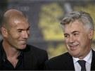 TRENÉRSKÉ DUO. Carlo Ancelotti (vpravo) a Zinedine Zidane spolu budou trénovat Real Madrid.
