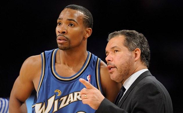 Javaris Crittenton (vlevo) je bývalý hrá� NBA, dnes mu� obvin�ný z vra�dy. Nás