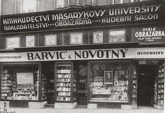 zdroj: http://brno.idnes.cz/knihkupectvi-barvic-a-novotny-slavi-130-vyroci-foc-/brno-zpravy.aspx?c=A130711_1950108_brno-zpravy_ekr