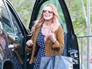 Lindsay Lohanov� opou�t� l��ebnu. (30. �ervence 2013)