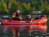 Hasi�i a vodní záchraná�i pátrali po utonulém Slovákovi v hlubinách hlu�ínského