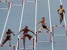VELKÉ FINÁLE. Zuzana Hejnová běží za vítězstvím na MS v Moskvě v závodě na 400 metrů překážek.