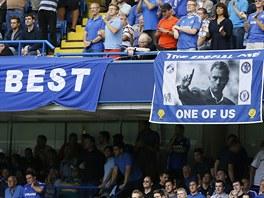 V CHELSEA HO MILUJÍ. Vyznání fanoušků modrého klubu směrem k trenérovi Josému Mourinhovi.