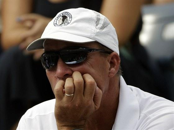 LENDL NA TRIBUNĚ. Zadumaný Ivan Lendl jako trenér Andyho Murrayho