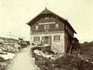 Na konci 80. let 19. století měla bouda ještě německý název.