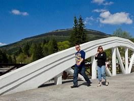 Špindlerův Mlýn je plný turistů i v létě.