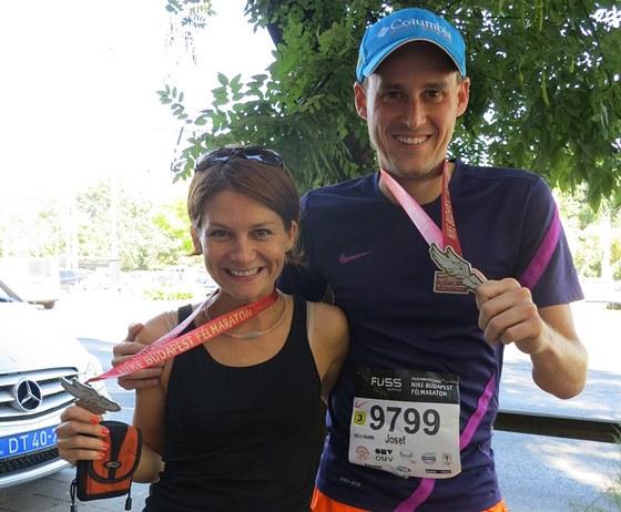 Setkání se čtenářem Rungo.cz Josefem Vaníčkem. Na posledních kilometrech závodu ho doprovázely křeče a užil si svoje. Medaile je zasloužená.