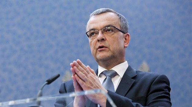 Ministr financí Miroslav Kalousek p�i tiskové konferenci na Ú�adu vlády v