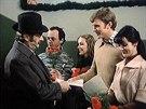 Jiří Sovák, Gabriela Osvaldová, Jiří Schmitzer, Taťjana Medvecká ve filmu Marečku, podejte mi pero! (1976)