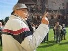 Režisér Václav Vorlíček přijel zahájit výstavu věnovanou pohádce Tři oříšky pro Popelku na hrad Švihov, kde se tento jeho film rovněž natáčel.