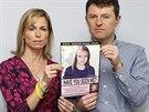 Kate a Gerry McCannovi s počítačem vytvořenou podobiznou jejich zmizelé dcery Madeleine na tiskové konferenci v květni 2012.