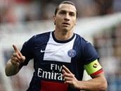 DVA G�LY ZA T�I MINUTY. �to�n�k Paris Saint-Germain Zlatan Ibrahimovi� slav� sv�j druh� g�l v z�pase s Bastiou. Sk�roval v 10. a 13. minut�.