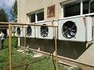 Dům v Moravské Třebové přešel na tepelné čerpadlo. Na fasádu domu musel umístit ventilátory.