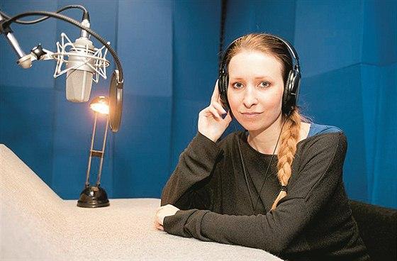 Herečka Tereza Bebarová se věnuje kromě herectví i dabingu a namlouvá audio knihy.