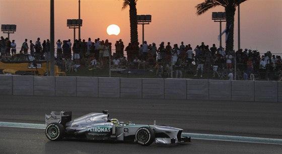 Nico Rosberg ze stáje Mercedes ve Velké ceně Abú Zabí.