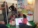 Alíkův stánek na Dětské planetě díky společné práci na obrazovce bavil i tatínky.