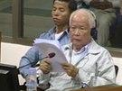 Bývalý lídr Rudých Khmerů Khieu Samphan před Mezinárodním soudem pro Kambodžu