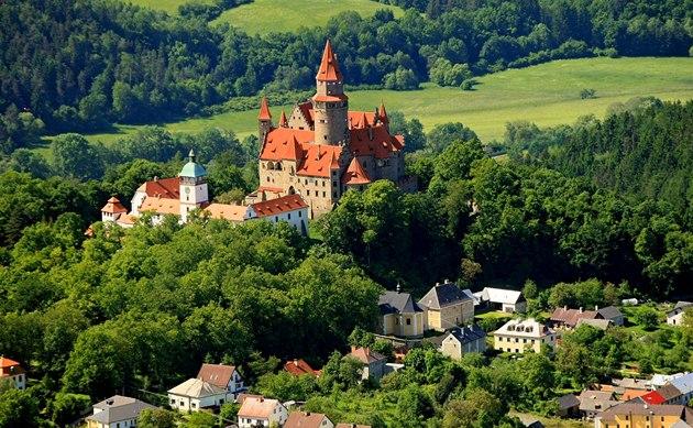 idnes.cz - hrad bouzov