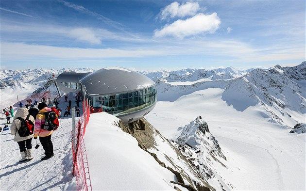 Pohled na Cafe 3 440 - nejvy��í kavárnu v Rakousku a zárove� nejvy��í ly�a�ský