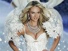 Candice Swanepoelová na přehlídce Victoria's Secret (13. listopadu 2013)