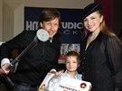 Pavel Ko��ek a Martina Koci�nov� se synem Danielem