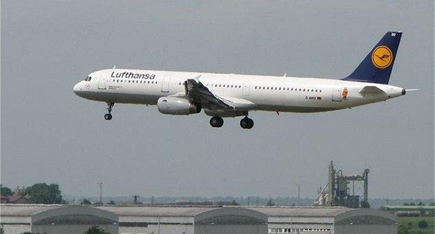 Airbus A321 Lufthansa - leti�t� Ruzyn� - letadlo - aerolinie - aerolinky