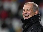 Jihlavský trenér Petr Rada se usmívá po vítězné premiéře.