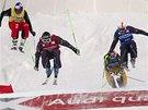 Úvodní závod Světového poháru ve skikrosu v kanadské Nakisce. Zleva: Tomáš Kraus, Jean Frederic Chapuis, Daniel Bohnacker a Jonas Devouassoux.