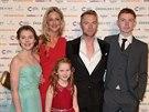 Ronan Keating s přítelkyní Storm Uechtritzovou a dětmi působili jako šťastná rodina.