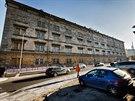 Zrušená kasárna Jana Žižky v Praze Karlíně patřící ministerstvu obrany jsou na prodej. 27. listopadu 2013 se do nich byli podívat zástupci médií a případných investorů. Památkově chráněný objekt pochází z roku 1845.