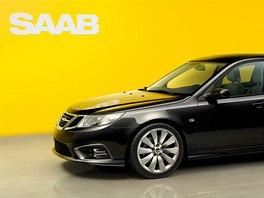 První novodobý Saab 9-3 je černý a má dvoulitrový turbobenzinový motor s výkonem 220 koní.