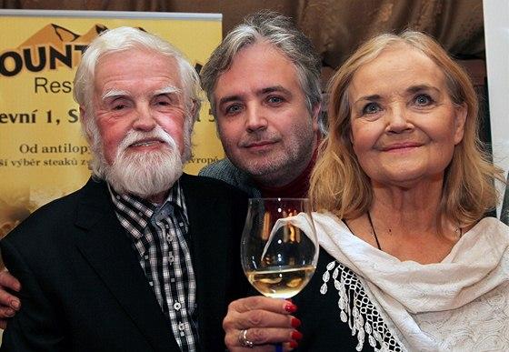 Ondřej Kepka s rodiči Jiřím Kepkou a Gabrielou Vránovou