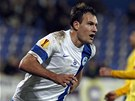 Michael Rabušic oslavuje svůj gól do sítě Estorilu. Český tým poslal do vedení 2:0.