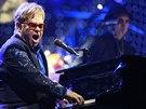 Elton John vystoupil 18.12. 2013 v pražské O2 aréně.