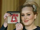 Zp�va�ka Adele dostala ��d britsk�ho imp�ria (19. prosince 2013).