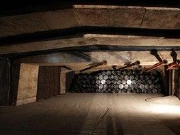 Vystrojená komora před založením a následným zalitím betonem