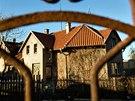 Opuštěný rodný dům Jana Palacha ve Všetatech.