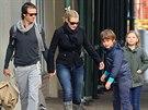 Kate Winsletová s Nedem Rocknrollem a dětmi z předchozích dvou manželství