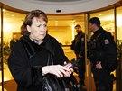 Změstnancům České exportní banky a Exportní garanční a pojišťovací společnosti policisté neumožnili přístup na pracoviště. (15. ledna 2014)