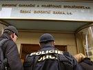 Protikorupční policie od rána zasahuje v České exportní bance a Exportní garanční a pojišťovací společnosti v pražské Vodičkově ulici. (15. ledna 2014)