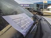 �idi��m u pardubického Alberta se za st�ra�i objevily letáky upozor�ující na...
