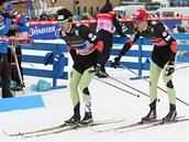 Martin Jakš na předávce s Alešem Razýmem ve sprintu dvojic v Novém Městě na Moravě.