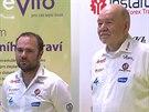 Ale� Loprais (vlevo) a Karel Loprais hodnotili na tiskov� konferenci leto�n� Rallye Dakar.